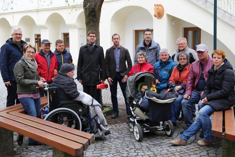 Gruppenfoto von der Gemeindebegehung in Loosdorf